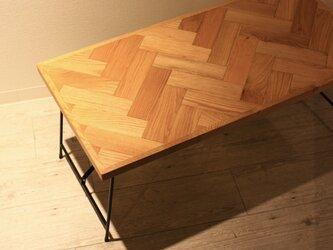 オーク材ヘリンボーン アイアン折り畳みテーブルの画像