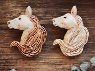 -koku- 馬のブローチの画像