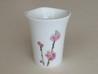 桃のカップの画像