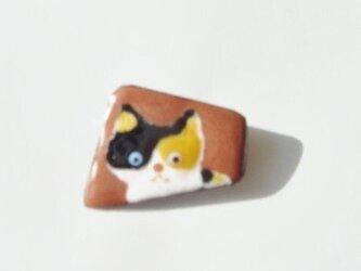 七宝 三毛猫ブローチの画像
