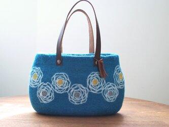 羊毛フェルトバッグ/花かざりの画像