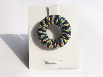 knit丸ブローチの画像