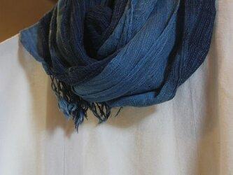 再々販 藍染綿ポリグラデーションストールの画像