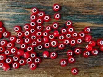 素材 007 ホワイトハート ガラスビーズ 赤色 小玉の画像