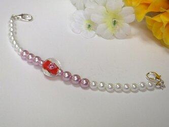 羽織紐◆白とローズピンクと赤・可愛い薔薇模様とんぼ玉の画像