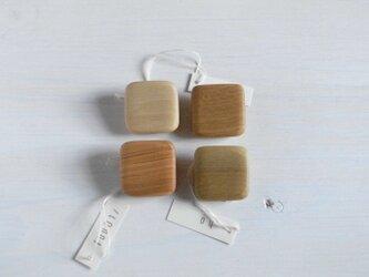 木のブローチ ⬜︎の画像