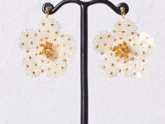 Bijoux Flower Earring ( off white )の画像