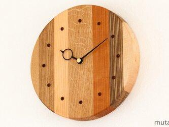 寄せ木の壁掛け時計 円形36の画像