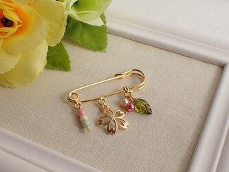 桜のチャームブローチの画像