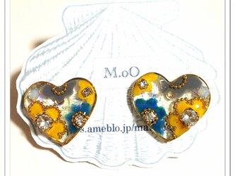 【yukka*様オーダー品】ハートに咲くお花*pierceの画像