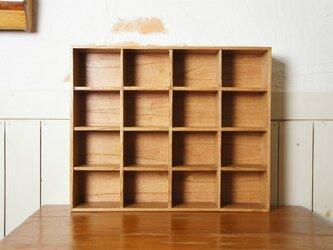 ミンディ材 木製小物入れ トレイ 升箱 木箱 飾り棚 16マス ナチュラルの画像