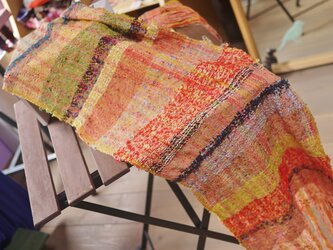 手織り ボリュームストール春夏の画像