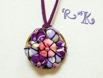 和の花のネックレスの画像