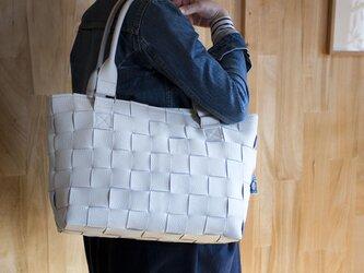 家具の柔らかい牛革製 / 編みレザートートバッグ/大きめ/ 白の画像