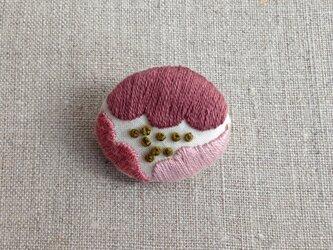 〈受注制作〉まるいお花ブローチ(purple)の画像