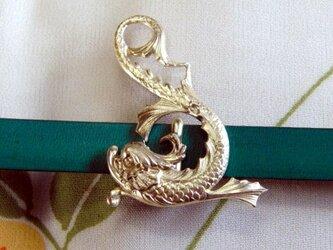 真鍮製 金のシャチホコ(鯱)デザイン帯留め 着物や浴衣の帯締め飾りにの画像