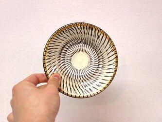 小鹿田焼(坂本拓磨) 4寸皿(飛びかんな・白)の画像
