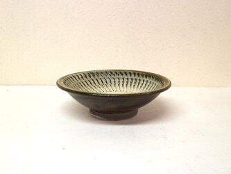 小鹿田焼(坂本拓磨) 5寸深皿(飛びかんな・白)の画像