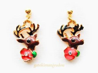 鹿と花のピアス【イヤリング等変更可】の画像