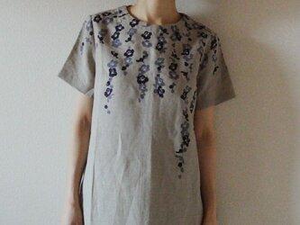 リネン・半袖ワンピース ベージュ<枝垂れ梅>の画像