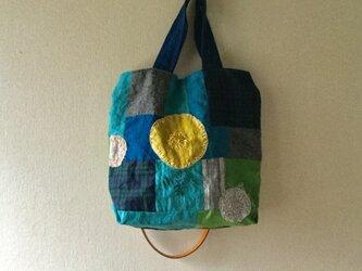 リネンのコラージュ バッグの画像
