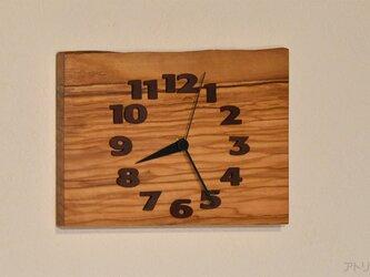 オリーブのコンパクトな掛け時計【クオーツ時計】の画像