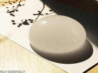 無色透明ガラスのインテリアオブジェ - 「いる・ある・きえる」 ● 直径約9.5cmの画像
