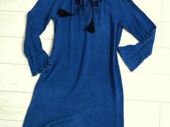 ◆100%自然素材 天然灰汁発酵建て 本藍染◆  エンブロイダリー刺繍 ワンピースの画像