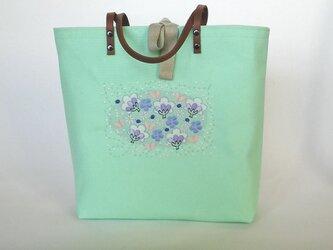 刺繍入り帆布トートバッグ 花の森 ミントグリーンの画像