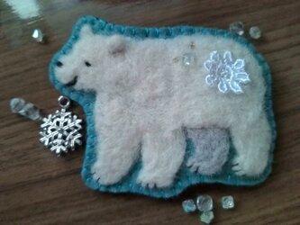 白熊さんブローチ2の画像