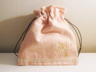 さくら色ハーフリネン 刺繍入り巾着の画像