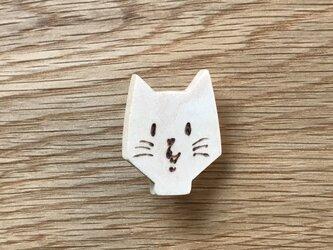 にゃんこブローチ男の子 猫 cat 木製 木の画像