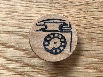 電話のブローチ チェリー材の画像