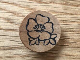 植物のブローチ・花 チェリー材の画像