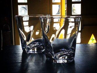 ライングラスの画像