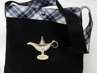 刺繍入り帆布ショルダーバッグ ランプ 黒の画像