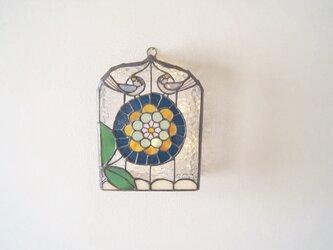 鳥2羽とお花の壁掛けランプの画像
