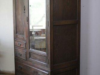 紋様furniture/アンティーク衣装戸棚に装飾を施しました。の画像