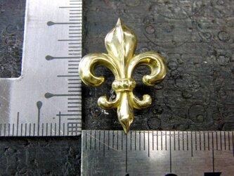 真鍮製 フレア,ユリ紋章デザインピンズブローチ 結婚式・シャツジャケットやハットの飾りにの画像