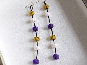 揺れるシルク結びイヤリング/ピアス「ビオ・フリッソン」紫系の画像