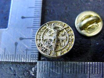真鍮製 キリストコインデザインピンズブローチ 結婚式・シャツジャケットやハットの飾りにの画像