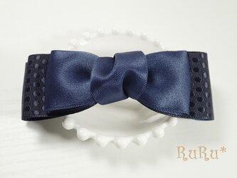 *B14* 高級リボンのバレッタ(紺/水玉模様)の画像