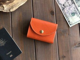 イタリアンレザーを使ったオレンジ色の三つ折り財布の画像