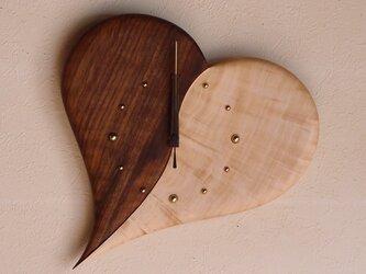 無垢の木の電波掛け時計 ハート 0010の画像