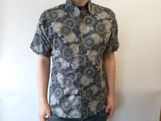 半袖和柄ムラ糸クロスシャツ(唐草菊模様)の画像