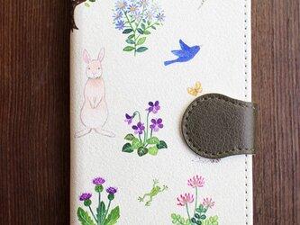 在庫品SALE! 2800円/iPhone7/手帳型スマホケース「野の花と生きもの」の画像