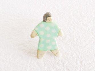 オヨヨちゃんブローチ(水玉おばけ)の画像