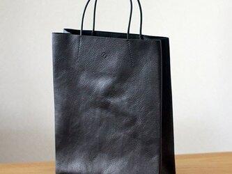 紙袋っぽい革袋M(A4が入る)・ブラックの画像