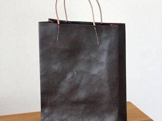 紙袋っぽい革袋 M (A4が入る)・ブラウン[受注生産品]の画像