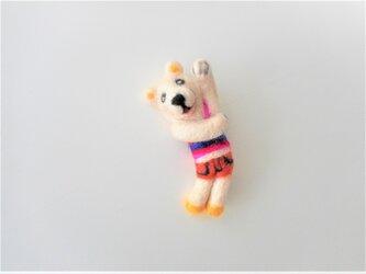 白熊のブローチの画像